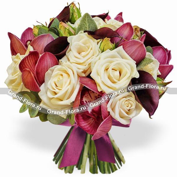 Настроение марсала - букет из роз и орхидей