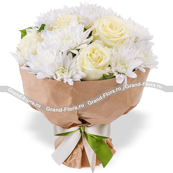 Новинки Гранд Флора Ваниль - букет из роз и хризантем фото