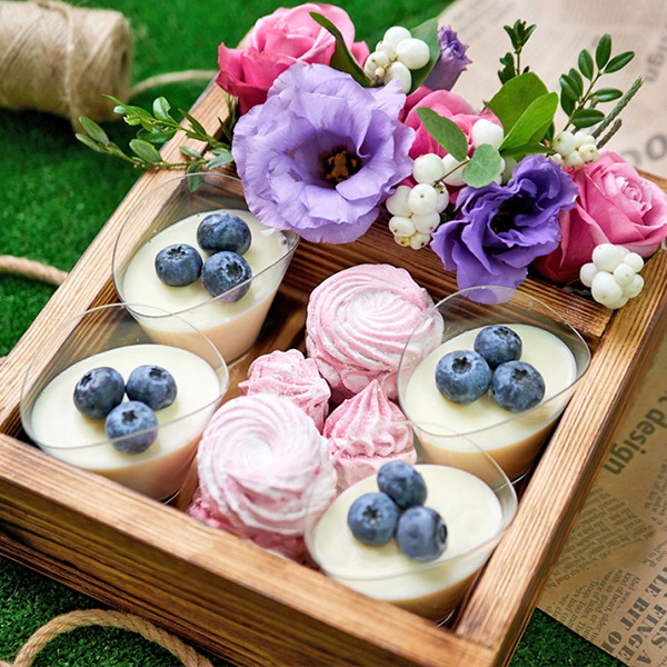 Ежевичные ночи - ящик с розой и эустомой