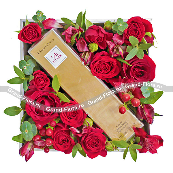 Страсть - коробка с цветами и парфюмом