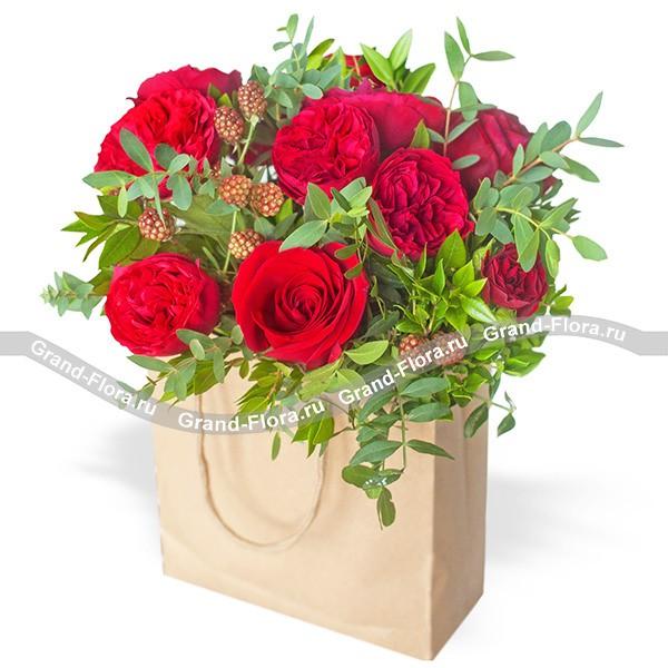 Любящее сердце - сумка с красными розами