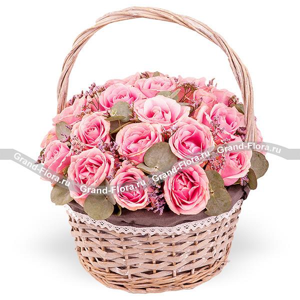 Притяжение - корзина розовых роз