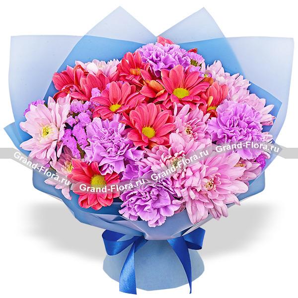 Звездная ночь - букет из фиолетовых хризантем и гвоздик