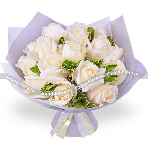 Ванильное небо - букет из белых роз
