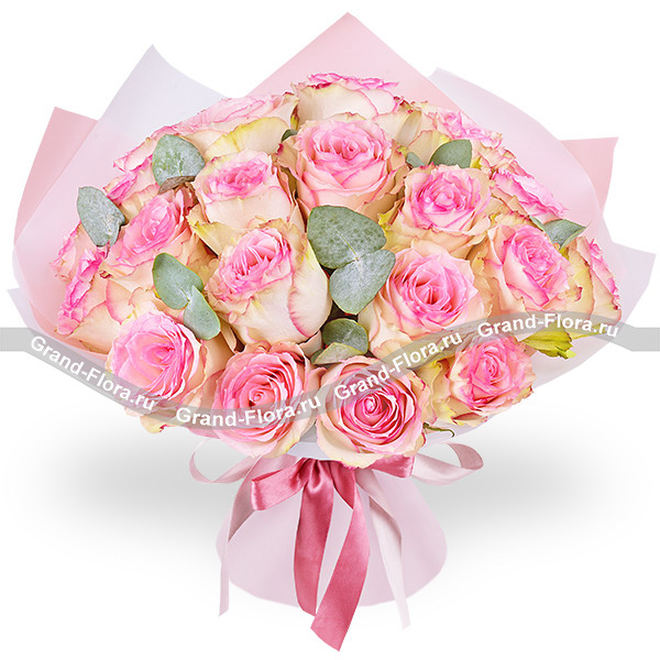 I love you - a bouquet of pink roses and eucalyptus