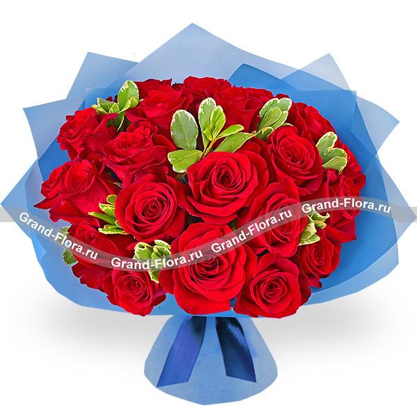 Розы Гранд Флора Мужество - букет из красных роз фото
