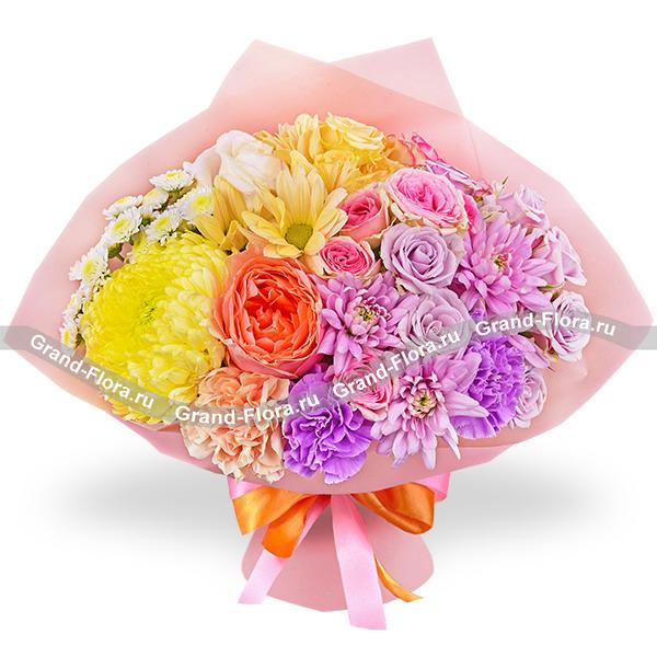 Новинки Гранд Флора Омбре - букет из белых роз и хризантем