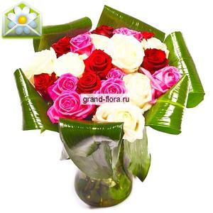 """Розы для любимой""""Розы для любимой"""" - это не просто знак внимания, это признание в своих чувствах самому дорогому человеку. Композиция из белых, красных и розовых роз, прекрасно подойдет для романтического вечера, в сочетании с бутылочкой изысканного шампанского из ...<br>"""