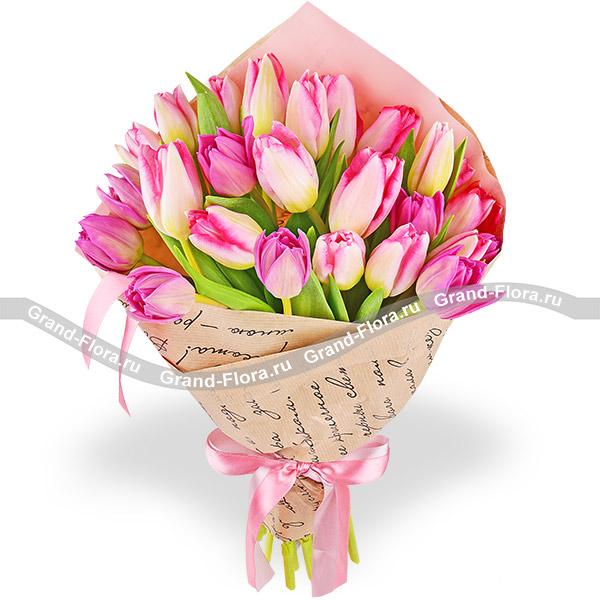 Кленовый сироп - букет из розовых тюльпанов