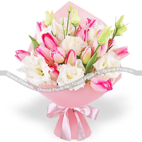 Ты мой мир - букет из розовых тюльпанов и белой эустомы