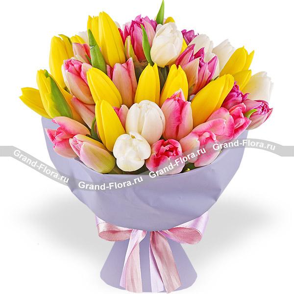 Тайна чувств - букет из разноцветных тюльпанов
