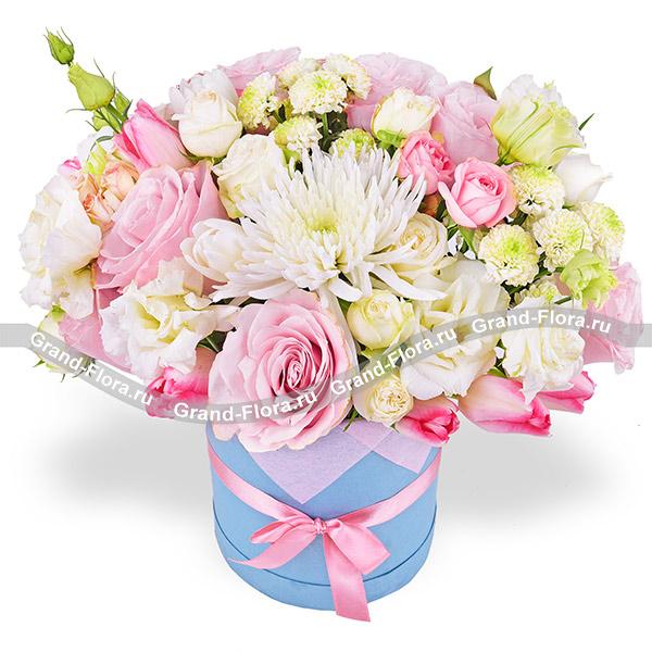 Весенняя романтика - коробка с розовыми розами