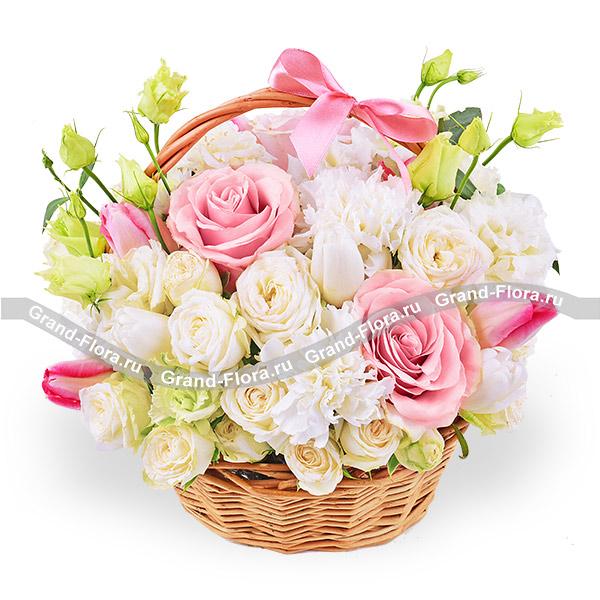 Тюльпаны Гранд Флора Самой дорогой - корзина с розовыми розами и тюльпанами фото