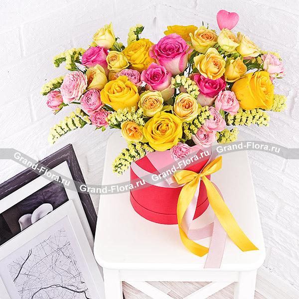 Королеве сердца - коробка с кустовыми розами