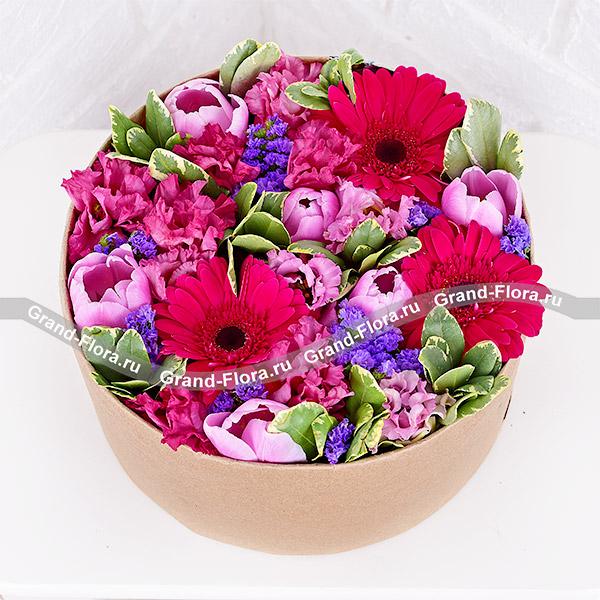 Купить Розовое Море - Коробка С Розовыми Герберами И Тюльпанами