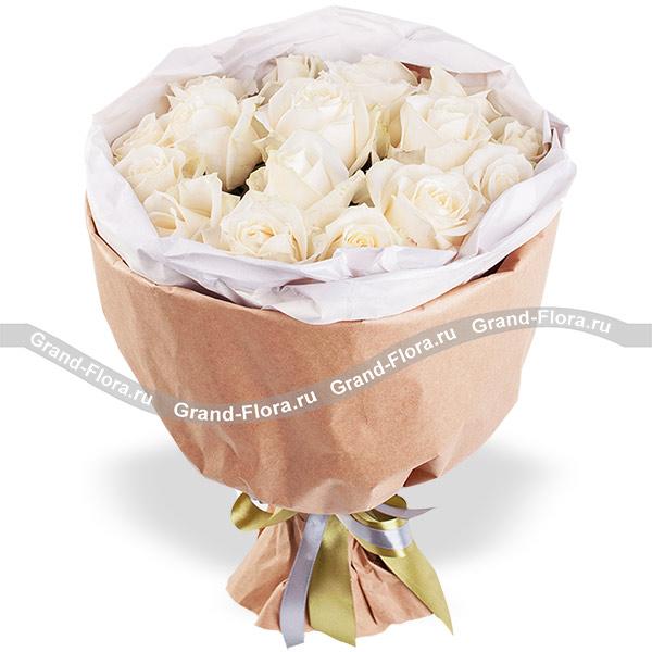 Розы Гранд Флора Изящность - букет из белых роз фото