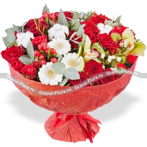 Bright feeling - a bouquet of red roses and gerberas