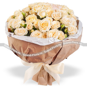 Airiness - a bouquet of roses, cream roses