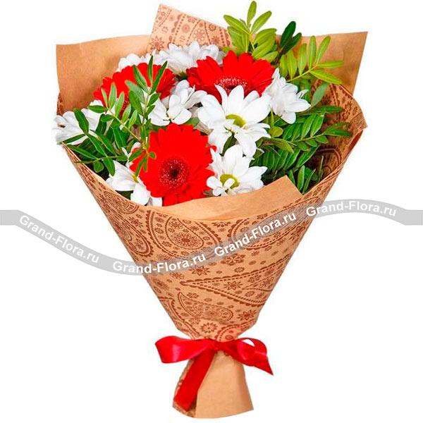 Новые букеты Гранд Флора Блаженная красота - букет из гербер и кустовых хризантем фото