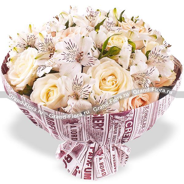Новинки Гранд Флора Вдвойне прекрасна - кремовые розы с альстромерией(акционное предложение) фото