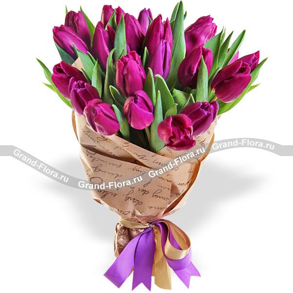 Букеты Гранд Флора Венеция - букет фиолетовых тюльпанов (акционное предложение) фото