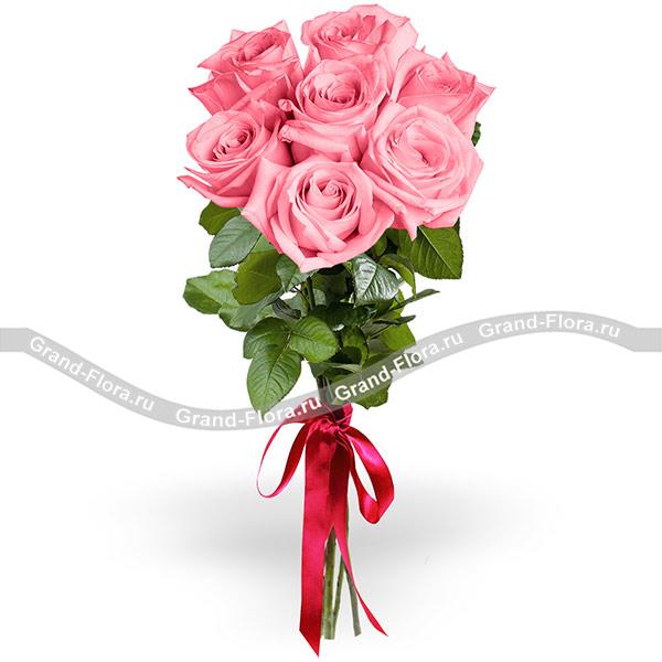 7 розовых роз (70 см) фото