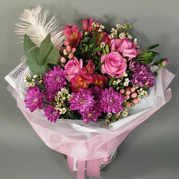 Новинки Гранд Флора(Яркая нежность- букет из хризантем, роз и альстромерий!)