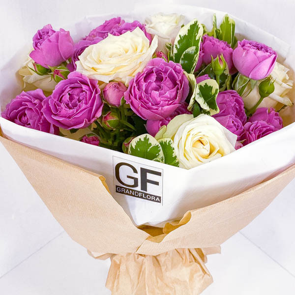 Купить Влюбленное сердце - букет из роз| Бесплатная доставка по России и миру