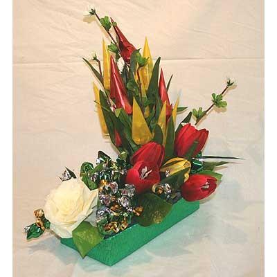 Цветы Гранд Флора Букет из конфет «Цветочный паром» фото