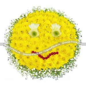 Ненаглядной искусительнице - композиция на оазисе из кустовых  хризантем