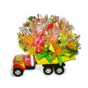 Игрушка с конфетамиДоставка букетов из конфет возможна при оформлении заказа не ранее чем за 2 (два) рабочих дня до планируемой даты доставки.<br><br><br><br>...<br>