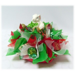 Новогодний зайкаДоставка букетов из конфет возможна при оформлении заказа не ранее чем за 2  (два) рабочих дня до планируемой даты доставки.<br><br><br>...<br>