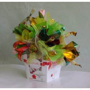 РаффаэллитоДоставка букетов из конфет возможна при оформлении заказа не ранее чем за 2 (два) рабочих дня до планируемой даты доставки.<br><br><br>...<br>